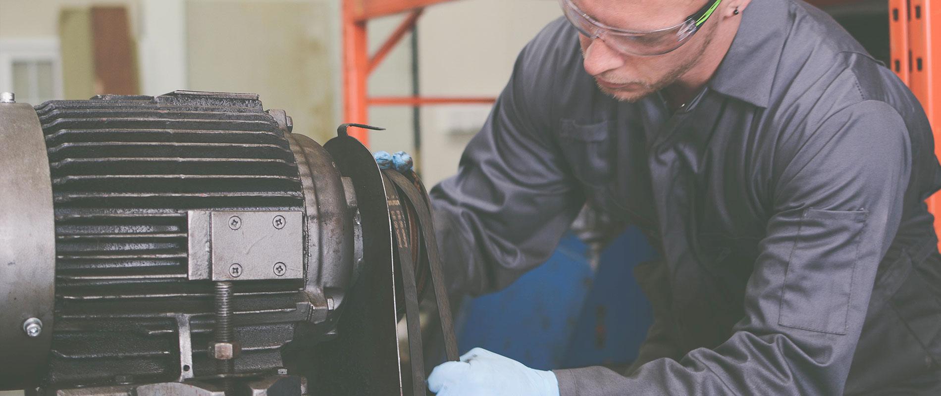 Industrial vacuum pump servicing